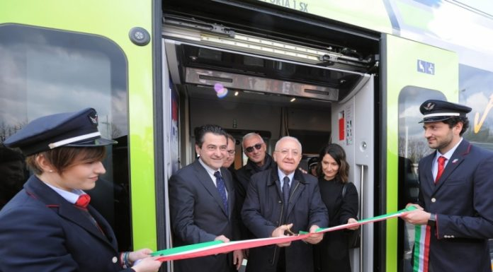 Trenitalia consegna alla Regione Campania altri due treni Jazz