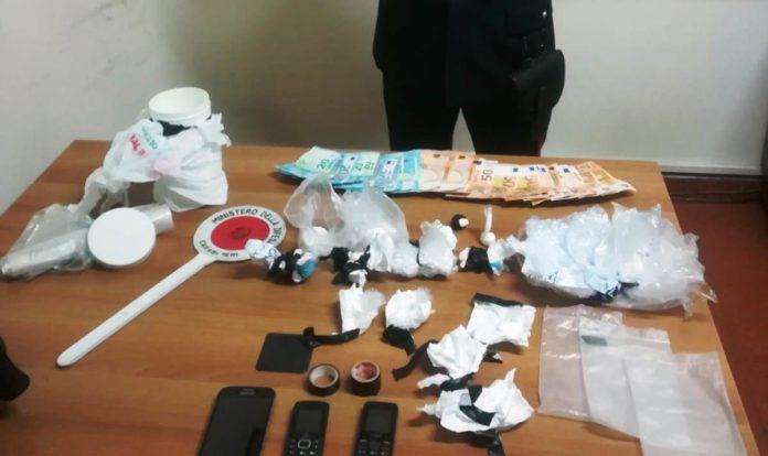 Cronaca di Ottaviano: Nascondeva la cocaina nei mobili della cucina. I carabinieri arrestano un 48enne.
