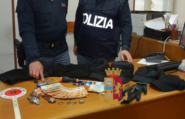 Torre del Greco: Furto in abitazione, bloccati e arrestati due napoletani