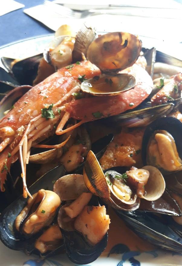 Da Pasqualino a Mergellina con la tradizionale zuppa di cozze del giovedi Santo