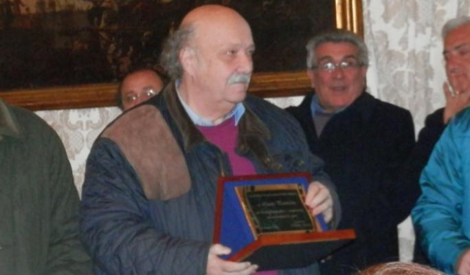La sfida di pallanuoto fra giornalisti gli ex campioni della Canottieri Napoli dedicata a Lucio Pomicino.
