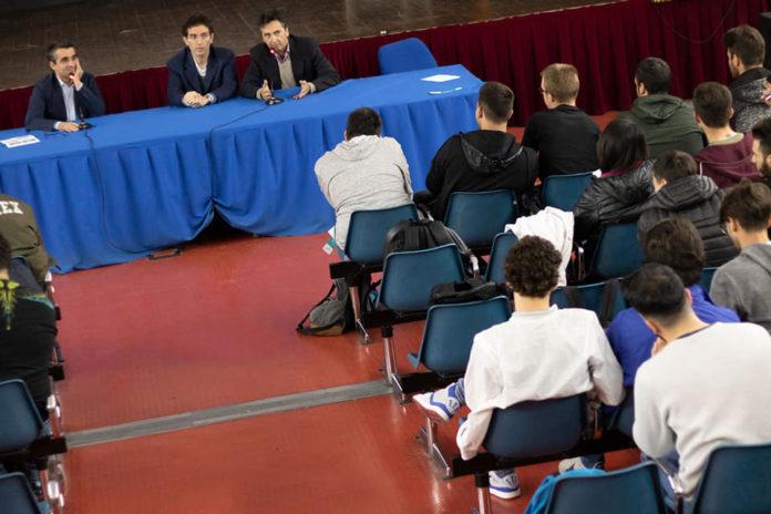 Protome l'Istituto Ferraris di Scampia incontrano i giovani talenti della Rivoluzione Digitale