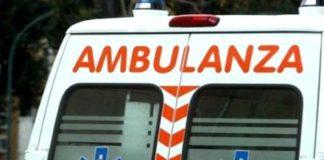 Lungomare di Napoli, auto si schianta contro un albero: muore notaio Monda
