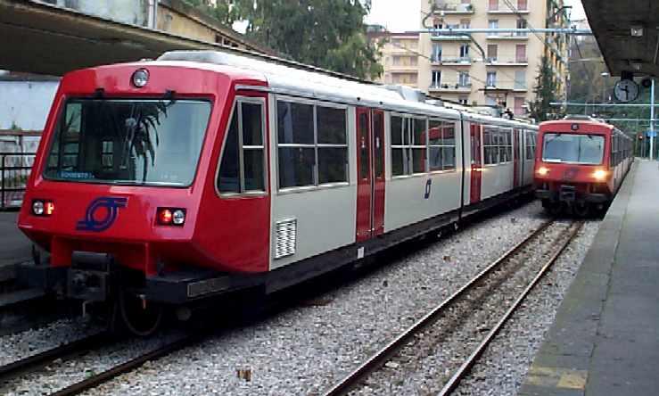 Eav, ritardo sul sistema di sicurezza: da luglio treni a velocità ridotta