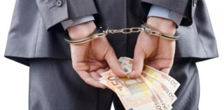 Pollica, tangenti per rete fognaria: 4 arresti per tentata corruzione