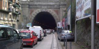 Fuorigrotta, incidente nella Galleria Laziale: traffico in tilt