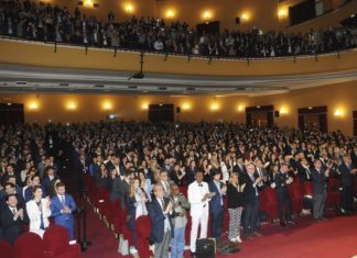 Giuramento di Ippocrate per 500 medici: bellissimo applauso alla piccola Noemi