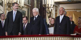 Teatro San Carlo, gaffe diplomatica con i reali spagnoli: suonato l'inno franchista