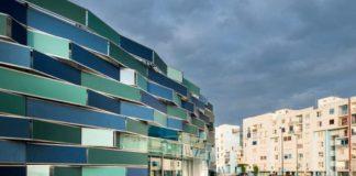 Ospedale del Mare: porta moglie in pronto soccorso e aggredisce i medici
