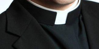 Trentola Ducenta, sospetta pedofilia: Diocesi sospende don Michele Mottola