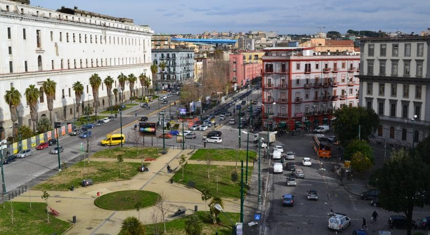 Piazza Carlo III, 21enne investe e uccide una ragazzina di 15 anni