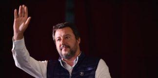 """Salvini: """"A Napoli per stringere la mano a chi ha arrestato Del Re"""""""