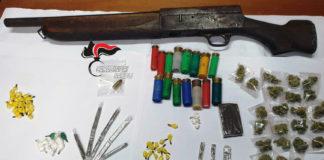Marigliano: Sequestrato fucile a canne mozze e droga nel rione 'Pontecitra'