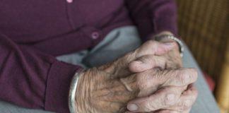 Truffe agli anziani, sgominata gang con base a Napoli: 12 arresti