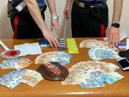 Napoli, scoperta la truffa dei finti affitti di appartamenti: tre arresti