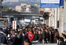 Immigrazione clandestina, 7 arresti a Napoli: ci sono anche due poliziotti