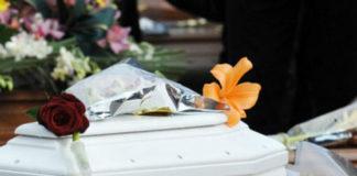 Cimitero di Pagani: tante lacrime ai funerali della piccola Jolanda