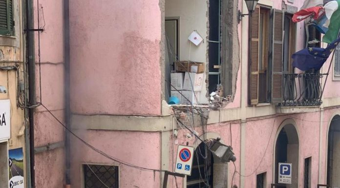 Rocca di Papa, un'esplosione provoca 16 feriti: gravi sindaco e una bambina
