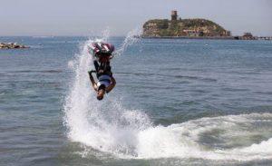 Aquabike, il campione Roberto Mariani regala spettacolo a Monte di Procida