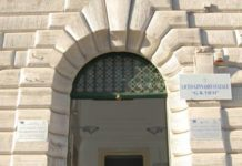 Liceo Vico, si è ucciso il docente accusato di abusi su due studentesse