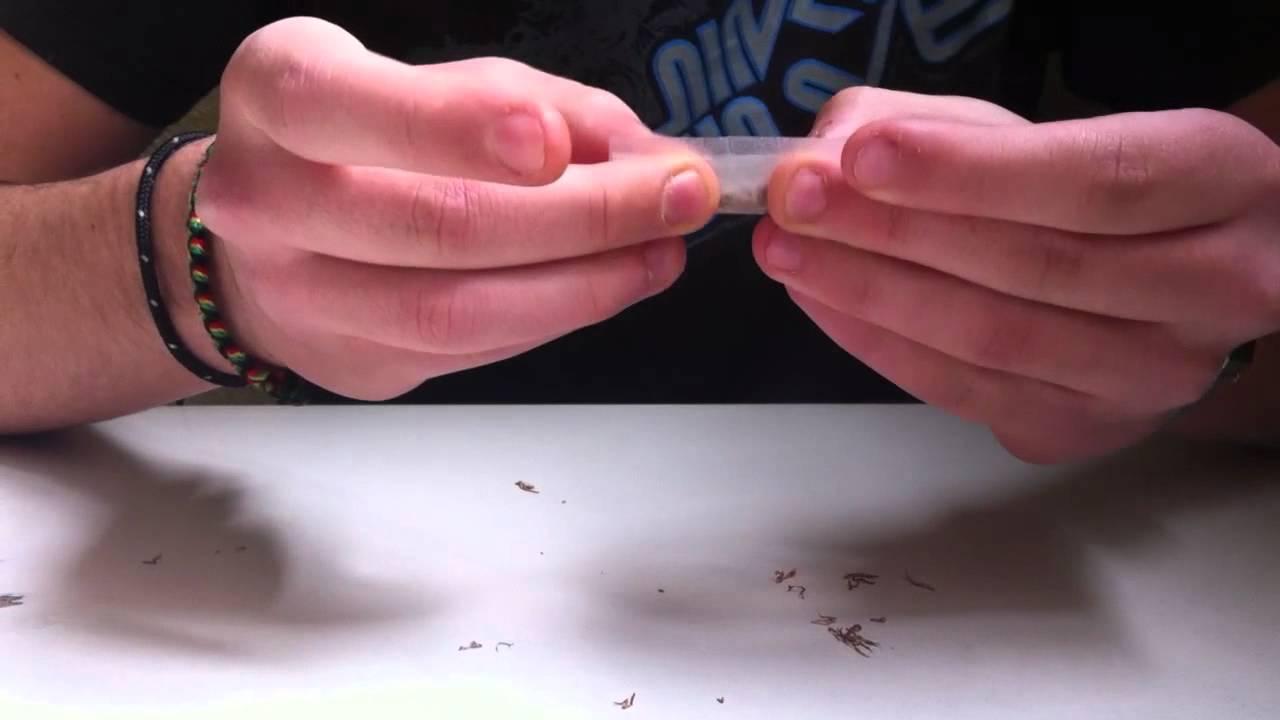 Fumo, aumenta tra i giovani l'uso delle sigarette fatte a mano