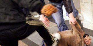 Nocera Inferiore, branco picchia giovane con mazza da baseball: tre denunce
