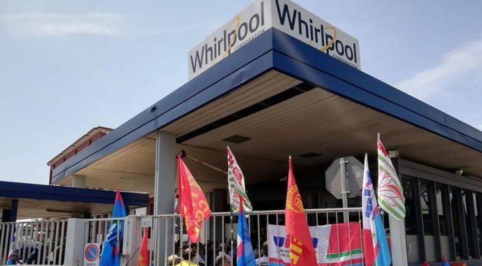 Whirlpool, continua la protesta degli operai: sit-in a via Argine