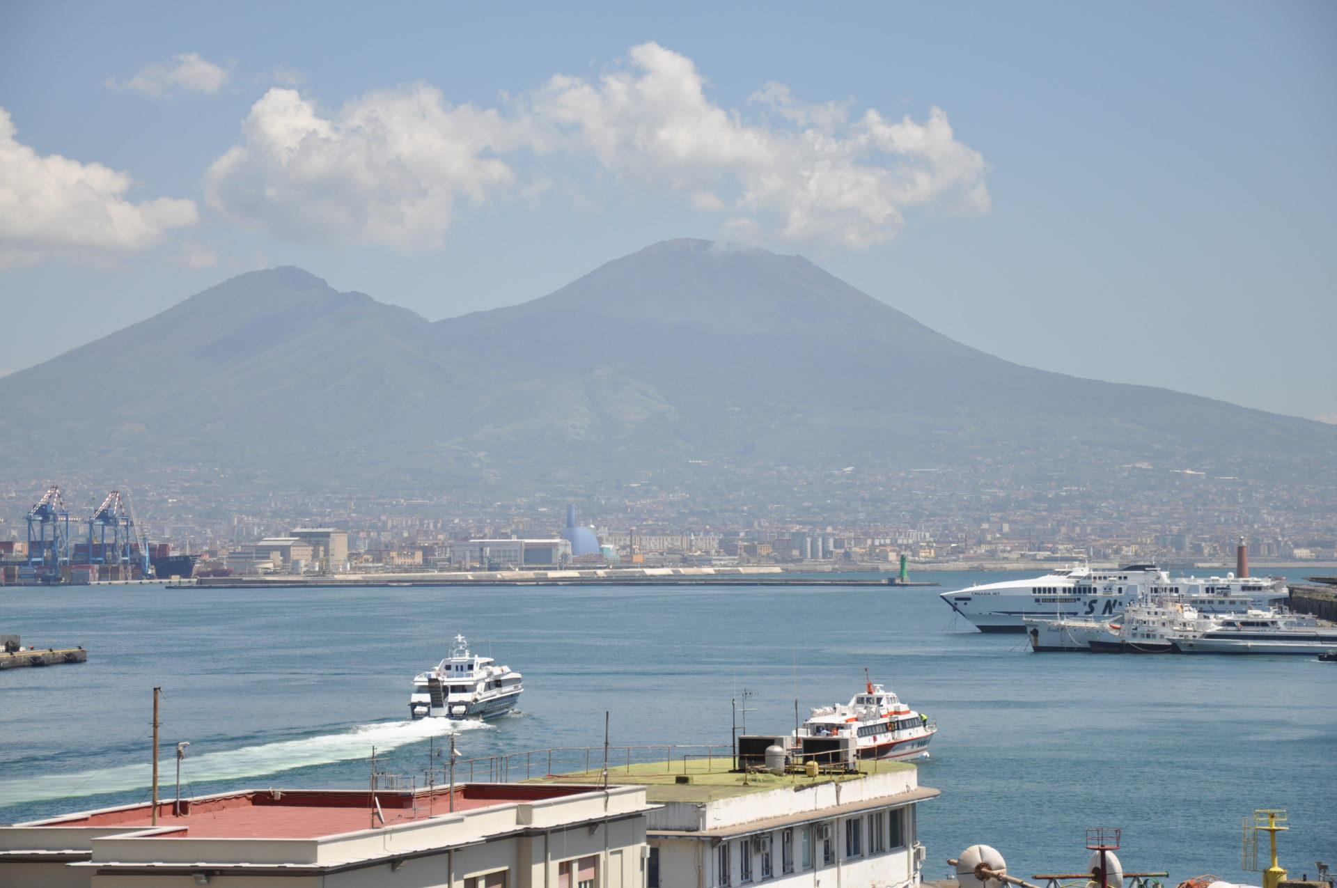Napoli, ecco i dispositivi di traffico per