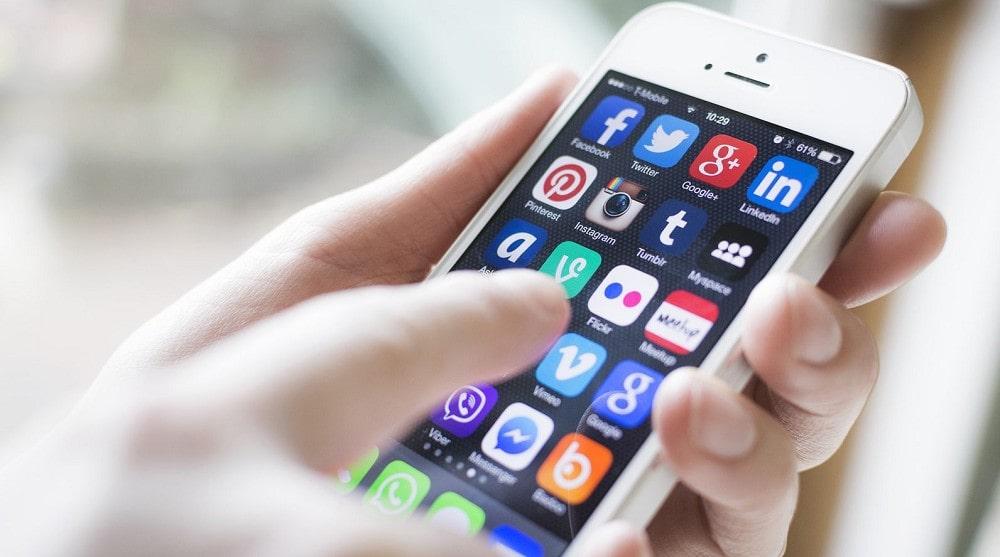 Gli effetti negativi dei cellulari sulla salute. Cinque regole per un corretto utilizzo