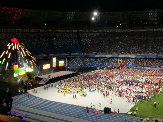 """Universiade: mille colori e il """"sospeso"""" per la chiusura allo stadio San Paolo"""