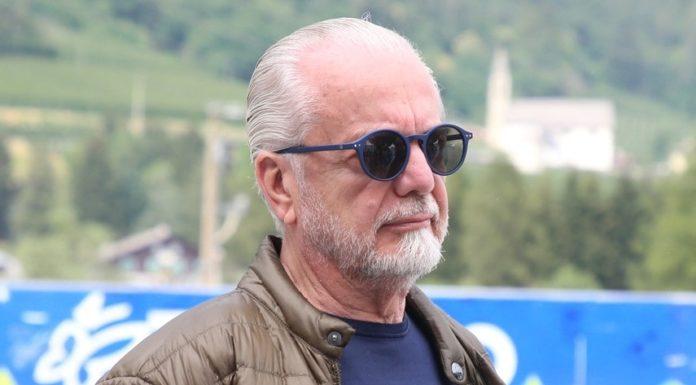 Calcio Napoli, De Laurentiis propone un taglio del 30% degli stipendi
