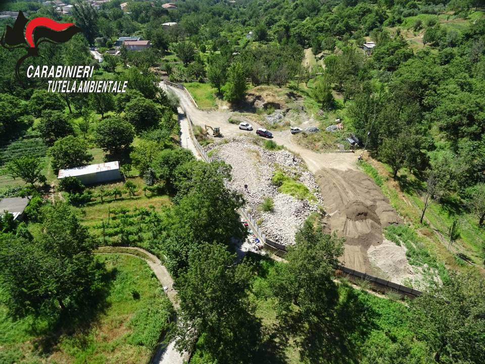Sequestro da quasi mille tonnellate di rifiuti speciali tra Salerno e Avellino