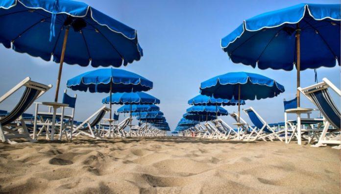 Spiagge libere, male la Campania: soltanto il 33% del litorale è free