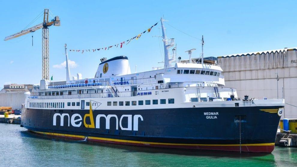 Partenze per Ischia e Procida, ripristinata la capienza del 100% a bordo