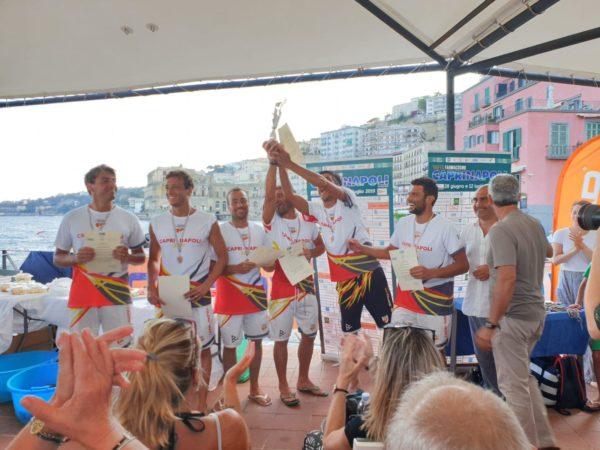 Capri-Napoli 2019 non competitiva.Vince la staffetta del Circolo Canottieri Napoli