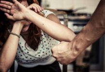 Secondigliano, pugni e morsi a sorella disabile: in carcere un 41enne