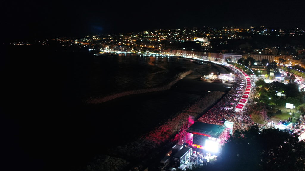 Napoli Pizza Village: Ecco tutti gli artisti sul palco con RTL 102,5