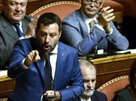 """Crisi, Salvini in Senato: """"Tagliamo i parlamentari e poi torniamo al voto"""""""