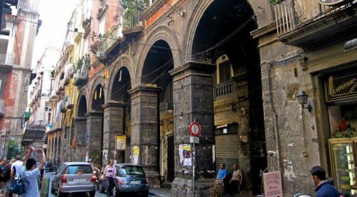 """Napoli, stop ai """"furbetti"""" della Ztl nel Centro storico: arrivano otto telecamere"""