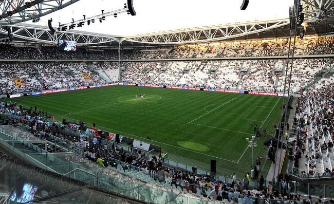 Caso Juventus-Napoli, vietata la vendita ai tifosi nati in Campania