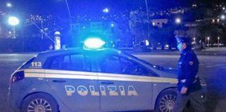 Choc sul lungomare a Napoli: ambulante preso a sassate da baby gang
