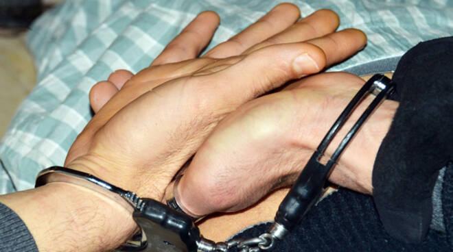 Camorra e droga, manette ai polsi di due latitanti. Le parole di Salvini
