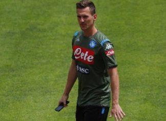Calcio Napoli, Milik ancora out: a Firenze in attacco giocherà Mertens