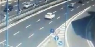 Tangenziale, sbaglia l'uscita e fa retromarcia: sfiorato incidente (VIDEO)