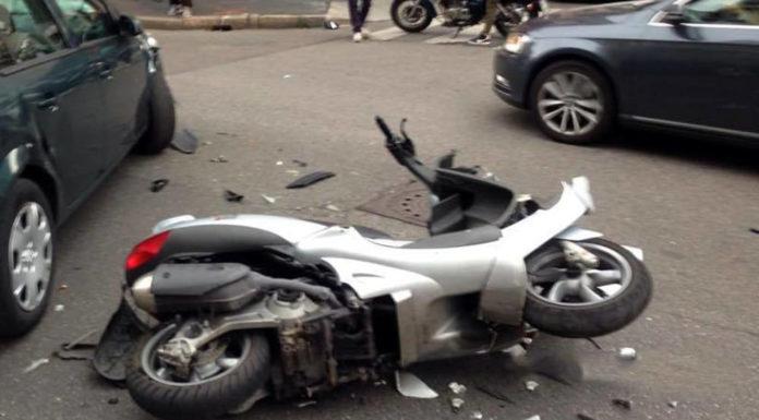 Tragico incidente in scooter a Napoli, 24enne muore sul colpo