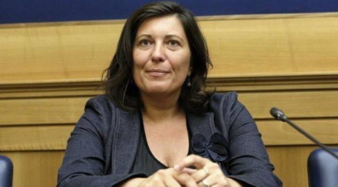 """Valeria Ciarambino: """"Alleanza con De Magistris? Sarebbe come allearci con De Luca"""""""