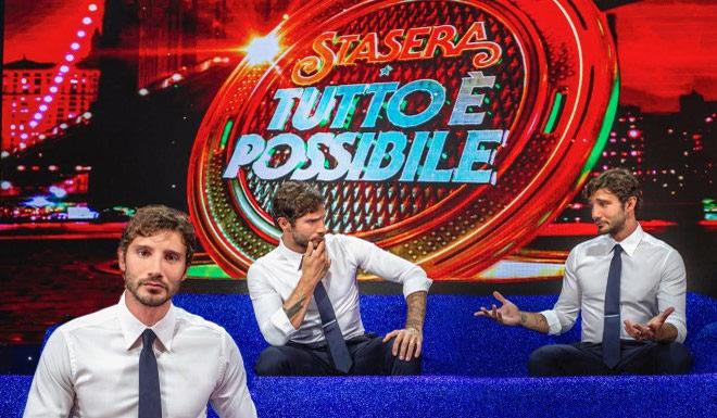 """""""Stasera tutto è possibile"""", torna lo show di Stefano De Martino"""