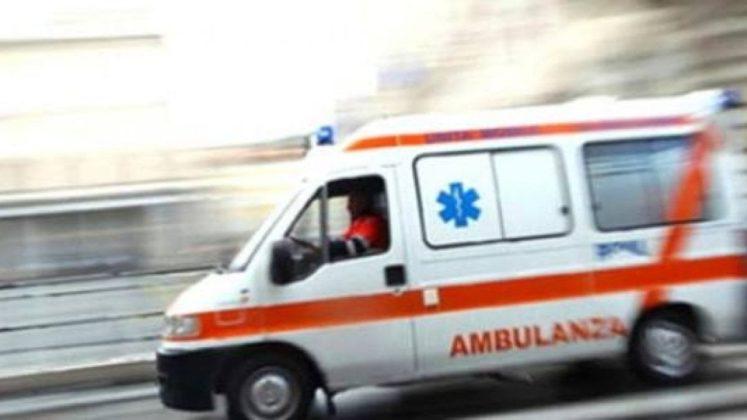 Napoli, sparatoria in vico Lungo San Matteo: due feriti di ...