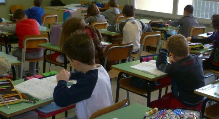 Scuola: alunni con sintomi Covid isolati e sequestrati, ma è solo una fake news