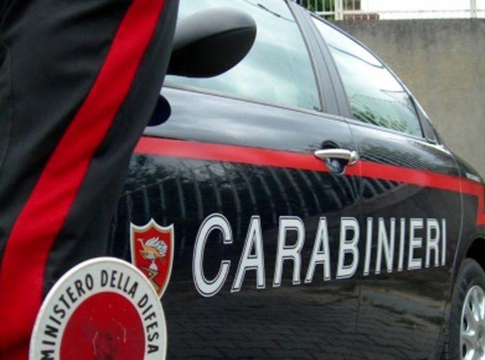 Palma Campania, arrestato un 58enne: aveva un arsenale nell'armadio